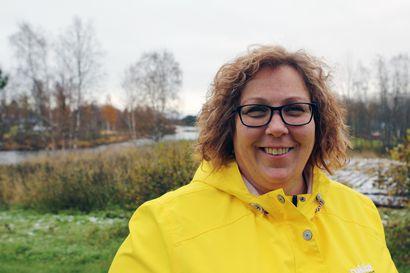 Perheet tarvitsevat verkostoja arkeensa – Kunnallispolitiikasta luopuminen antoi Marianne Junes-Leinoselle aikaa harrastuksille ja perheelle