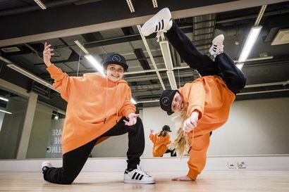 """Rovaniemeläinen streetdance-duo hurmasi Jorma Uotisen Talent Suomessa – """"Kun sieltä tuli positiivista palautetta, olimme ihan, että mitä, vau"""""""