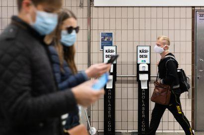 Maskit torjuvat koronaa, mutta roskaavat luontoa –näin monta maskia suomalaisten arvioidaan kuluttaneen koronapandemian aikana