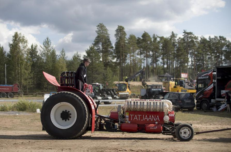 Tero Äyräväisen Tatjaana osallistui Modified-sarjaan, jossa on ulkonäon ja moottorin rakentelun suhteen hyvin vapaat kädet.