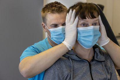 """Monessa työssä ollaan iholla epidemia-aikanakin – """"Jos vain laitetaan koronasilmälasit päähän ja ihmisen tarpeet jäävät näkemättä, sillä voi olla suuria merkityksiä potilaille"""""""