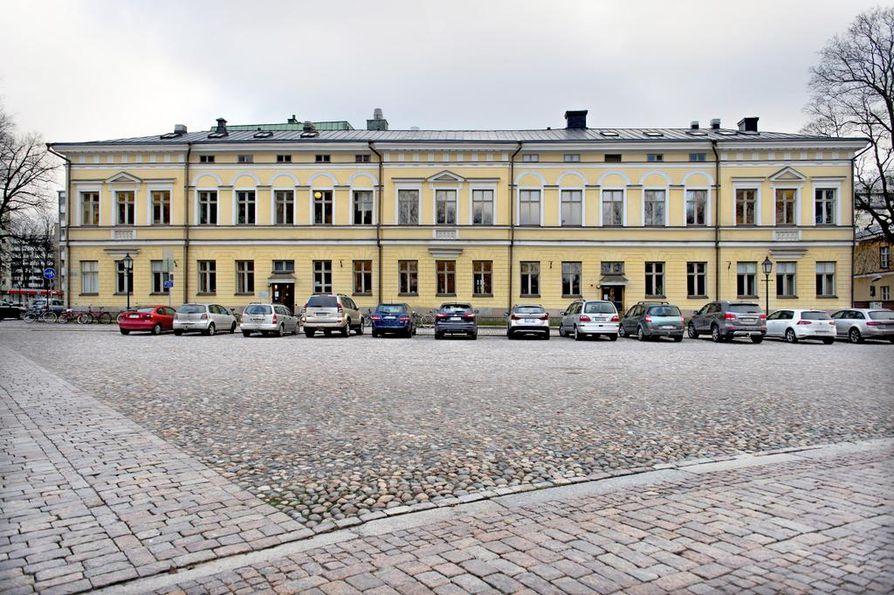 Åbo Akademin tutkija Siv Sandberg selvitti Kuntaliiton tilaamassa tutkimuksessa sitä, miten kuntapäättäjät kokevat ahdistelua ja häirintää asemansa vuoksi. Tutkimuksessa oli mukana 40 kuntaa.