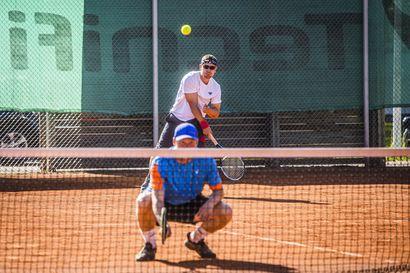 Vesa Isoviita pelasi tuplavoittoon 30+-kisoissa