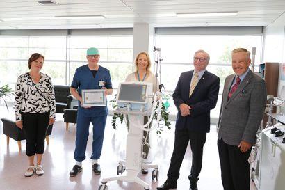 Korona kirvoitti Lions Club Tornio-Pudaksen tekemään 18 000 euron sijoituksen tehohoitoon –Länsi-Pohjan sairaanhoitopiiri sai lahjaksi hengityslaitteiston
