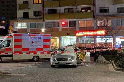 10 ihmistä Saksassa surmanneen ampujan motiivi oli äärioikeistolainen – useat uhrit olivat maahanmuuttajia
