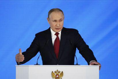 Putin lupasi lapsiperheille ison joukon lisätukia ja koululaisille ilmaisen lämpimän aterian – Venäjän poliittinen eliitti saa vuosipuheessa ohjeita syntyvyyden kasvattamiseksi
