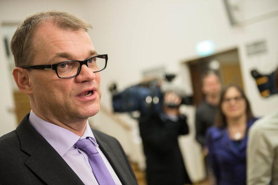 Pääministeri Juha Sipilä (kesk.) vastasi tasa-arvokritiikkiin Twitterissä.