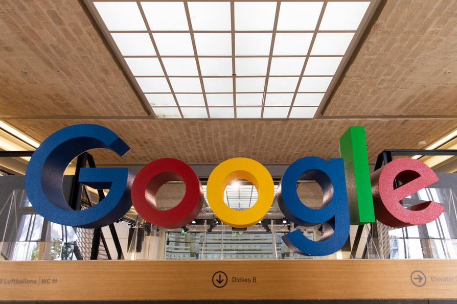 Google julkisti eilen historiansa suurimman uusiutuvan energian investoinnin. Kun sen lukee mukaan, Googlella on nyt 52 uusiutuvan energian projektia.