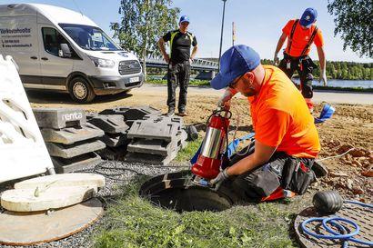 """Taloyhtiöt maksavat tulvasuojauksistaan kymmeniä tuhansia euroja, mutta varautuminen on kannattanut – """"Oli viittä vaille, ettei alakerta kastunut"""""""