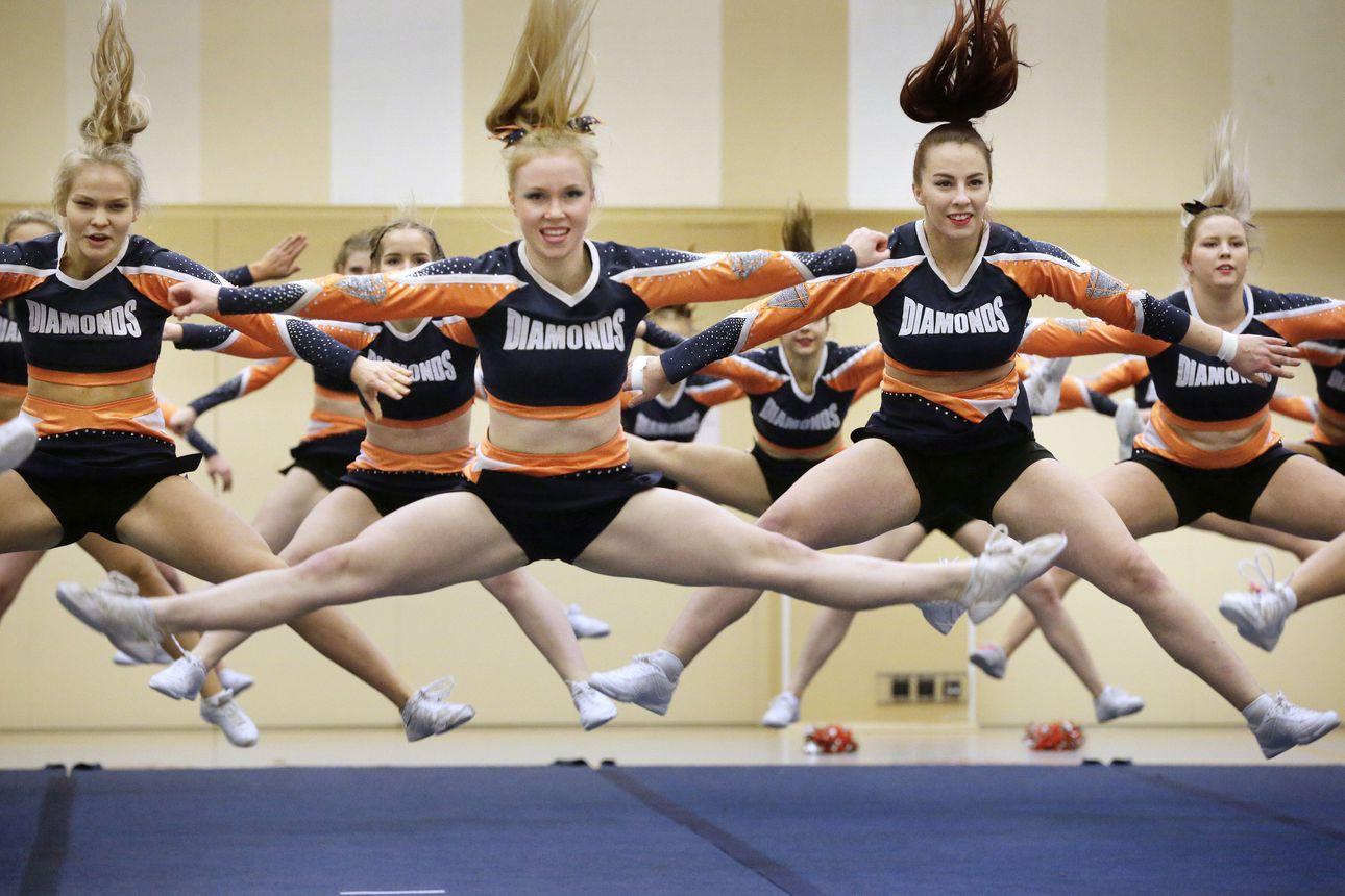 Kaleva Live tuo alueen puhuttavimmat urheilutapahtumat kotisohvallesi – Loppuvuoden aikana luvassa monipuolista sisältöä jääkiekosta tanssiin ja lentopallosta cheerleadingiin