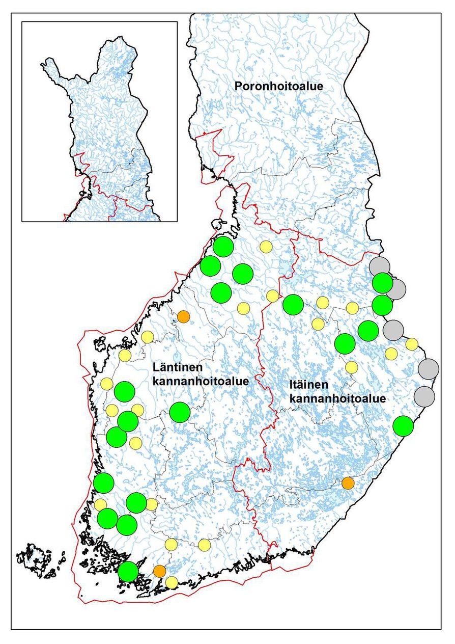 Susilaumojen ja kahden suden asuttamat reviirit maaliskuussa 2019. Vihreät ympyrät kuvaavat kokonaan tai suurimmaksi osaksi Suomen puolella liikkuvia laumoja, harmaat rajalaumoja ja pienemmät keltaiset ympyrät kahden suden asuttamia reviirejä. Lisäksi 2–3 suden asuttamat reviirit on merkitty oranssilla.