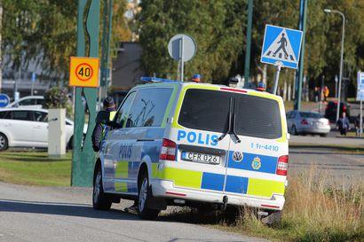 Sisäministeriö laatii poliisisopimusta länsirajalle – näissä tilanteissa Ruotsin poliisi voisi pyyhältää Suomeen – ja päinvastoin