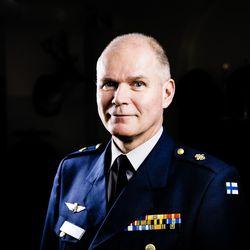 Puolustusvoimien entistä komentajaa epäillään palvelusrikoksesta – Lemmenjoen tapahtumiin liittyvä esitutkinta on etenemässä syyteharkintaan