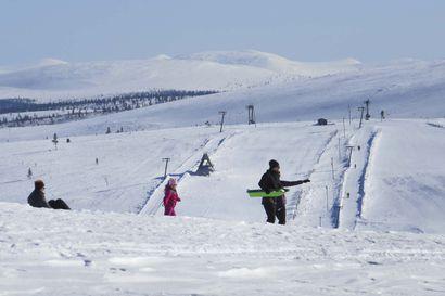 Pääkirjoitus: Keväthanget houkuttavat kotimaan matkailijoita Lappiin, mutta matkaa on nyt syytä harkita tarkkaan