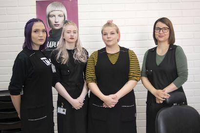 Neljä opiskelijaa perusti oikean yrityksen oppiakseen tärkeitä yrittäjyystaitoja tulevaa työelämää varten – HiusNeidot aloitti toimintansa maanantaina
