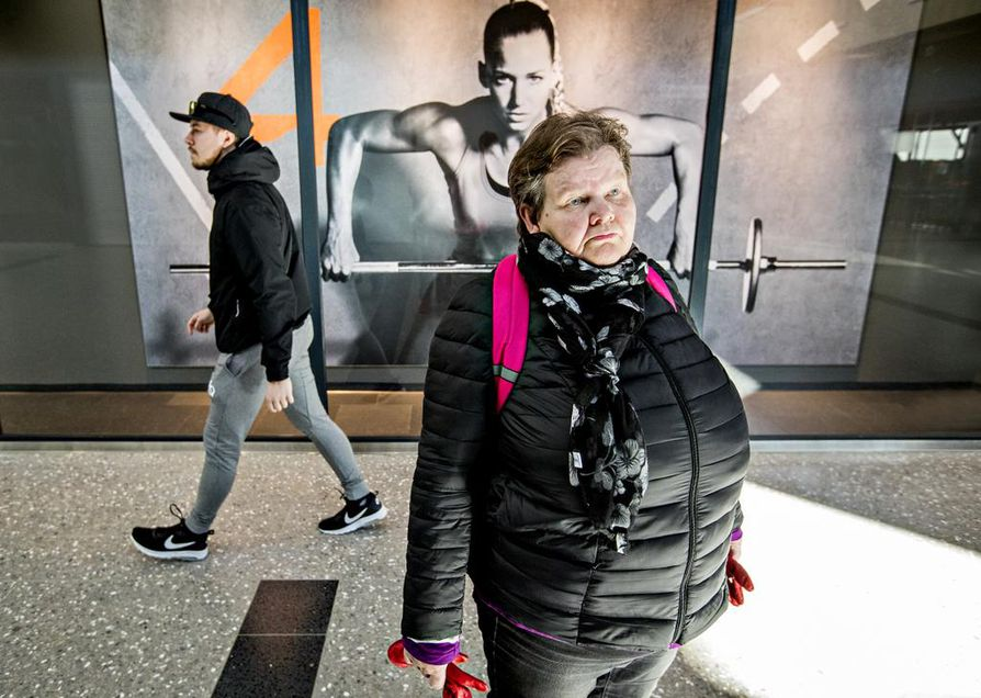 Anna-Liisa Tunturi pitää keskustan suosion tippumista odotettuna. Hänen mukaansa puolue harjoitti niin oikeistolaista politiikkaa, että se ei miellyttänyt kaikkia keskustalaisiakaan.