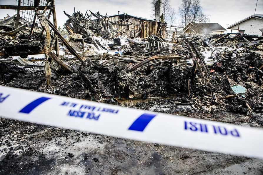 740-neliöisen rakennuksen varasto-osa tuhoutui palossa täysin.