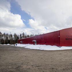Oma areena avautui – Rovaniemen käyttökoirat -yhdistys rakennutti harrastushallin Ounasrinteelle