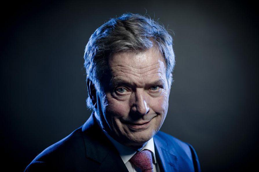 Kansanliikkeen ehdokas Sauli Niinistö haluaa pitää tiivistä yhteyttä eduskuntaan.