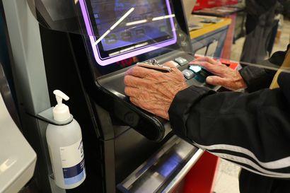 Pelaaminen vetää taas marketeissa – Pelaajat ovat olleet kiitollisia suojaplekseistä, käsidesistä ja merkatuista turvaväleistä