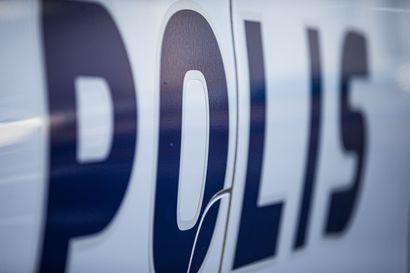 Kotihoito löysi vanhemman miehen kuolleena asunnosta Kajaanissa – käräjäoikeus vangitsi mieshenkilön taposta epäiltynä