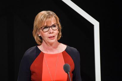 Oikeusministeri Henriksson valmis pohtimaan ennakkoäänestyksen pidentämistä – torjuu nettiäänestyksen käyttöönoton