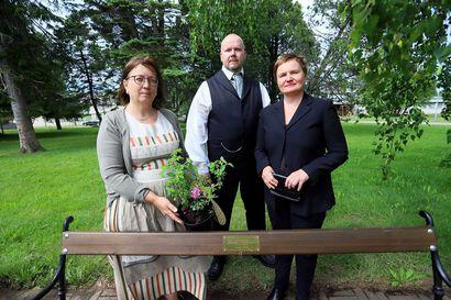 Muistopenkki Seminaarin puistoon kotiseudun vaalijalle