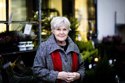 """Elisabeth Rehniä painaa edelleen tuska, jota äidit kokivat Balkanilla etsiessään joukkohaudoista todisteita läheisistään – """"En oikein pysty rentoutumaan"""""""