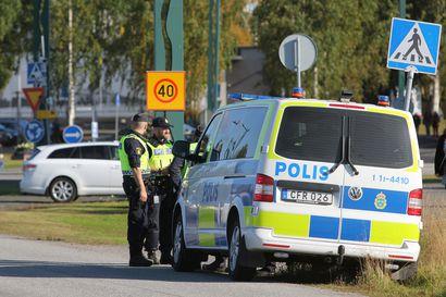 SVT: Luulajan murhanyrityksessä otettu kiinni yksi epäilty – 30-vuotiasta miestä kuulustellaan, naapurit näkivät teon