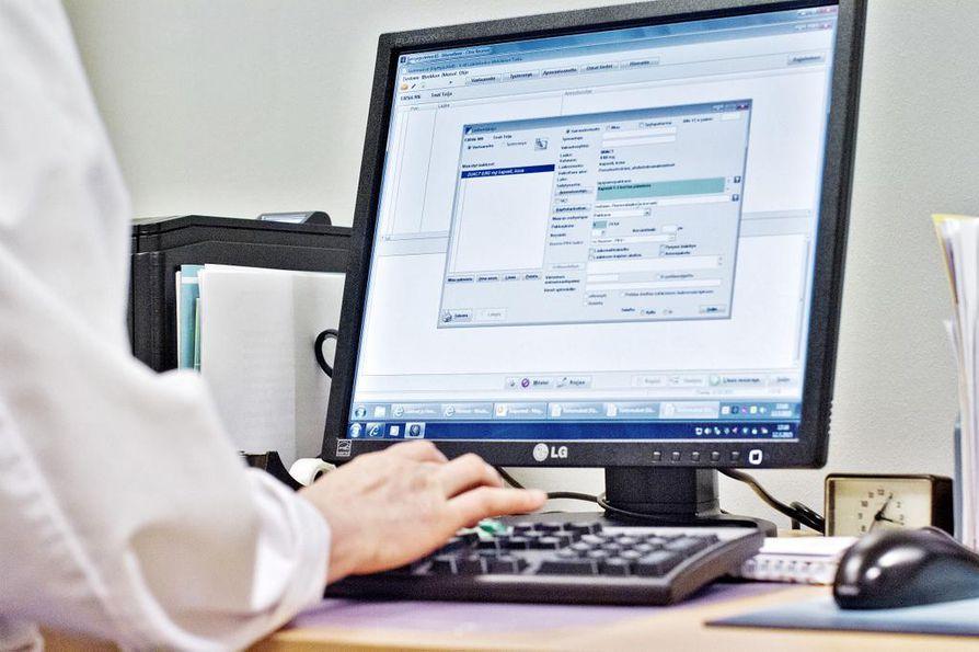 Suurimmalla osalla terveyspalveluiden tuottajista on viranomaisten hyväksymä tietojärjestelmä, joka juttelee sujuvasti Kelan ylläpitämän kanta-arkiston kanssa.