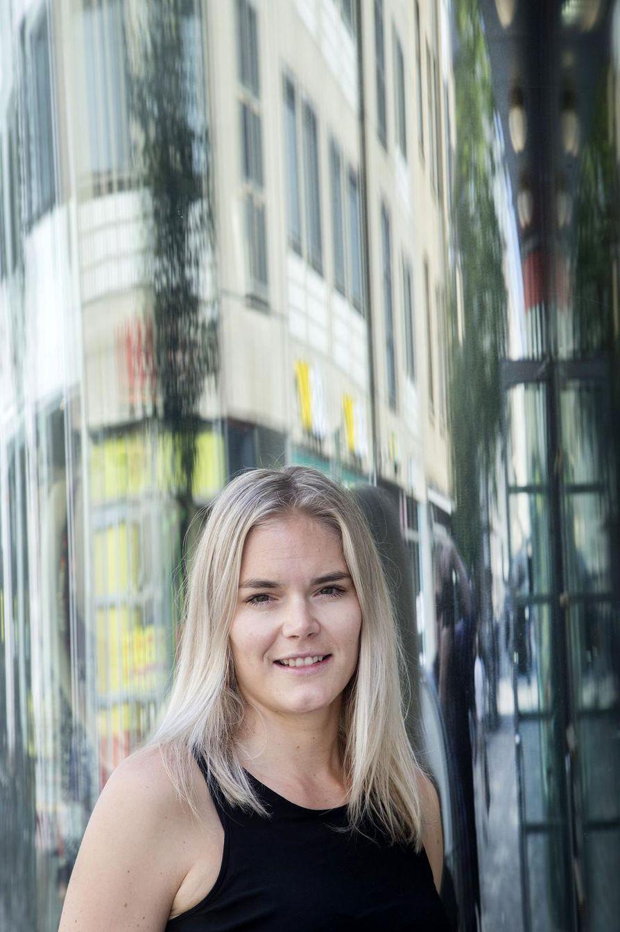 Seksuaaliterapeutin työnsä ja Puhu Muru -somekanaviensa lisäksi Marja Kihlström on myös julkaissut kolme tietokirjaa ja kuvaa parhaillaan Neloselle ensi keväänä nähtävää uutta parisuhdeohjelmaa.