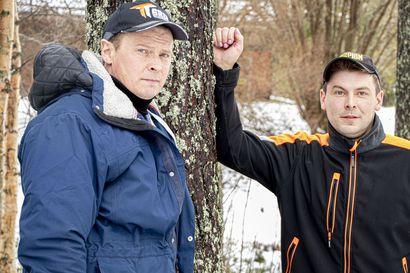 Siikajoen vuoden yrittäjä -palkinto meni metsään – metsäkoneurakoijat Petri ja Lasse Svensk palkittiin hyvästä työstä