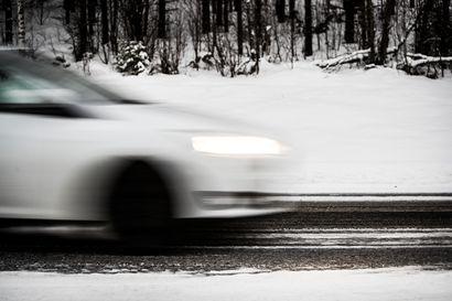 Räntä- ja lumisade vaikeuttaavat ajamista lähes koko Lapissa – Sadetta saattaa tulla myös vetenä