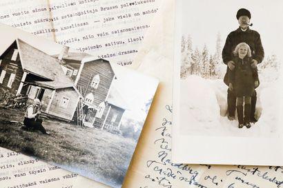 Ilmari Kianto kiersi kesällä 1927 Kuhmon seutuja ja tapasi muun muassa papin, jonka epäiltiin harrastavan pirunpalvontaa