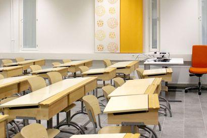 Koronanäytteiden ottamiseen ja karanteeniin uusia ohjeita – koululuokka karanteeniin vain äärimmäisessä tapauksessa