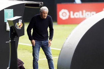 Quique Setien on menettänyt otteen Barcelonasta - Pelaajat arvostelevat peluutusta, eivätkä kakkosvalmentajan ohjeet kelpaa enää ollenkaan