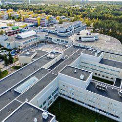 Oulun yliopisto mukana kehittämässä uusia ratkaisuja jäte- ja valumavesien puhdistukseen – hankkeessa on yhdistelty esimerkiksi sammalaltaita, puuhakkeeseen lisättyä sienirihmastoa, bioreaktoreita ja kosteikkoja