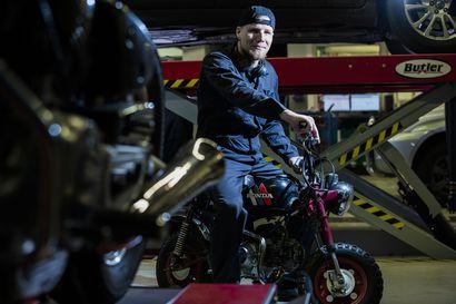 Jarno Turula on pitänyt lapsesta saakka moottoripyöristä, ja viime vuoden syksynä hän pääsi opiskelemaan niiden saloja