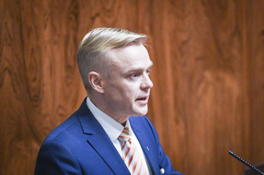 Kokoomuksen vaihtoehtobudjetin valmistelusta vastasi työryhmä, jota johti kansanedustaja Timo Heinonen.