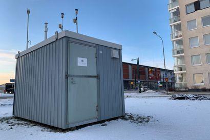 Kun näätsaarelaiset innostuvat lämmittämään, niin ilmanlaatu heikkenee tyydyttäväksi  - Torniossa mitataan ilmanlaatua