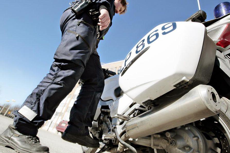 Moottoripyörien tekniset viat eivät ole tuntemattomia Suomessakaan. Ylikonstaapeli Tapio Rajamäen mukaan valvonnassa tulee vastaan vuosittain noin sata tapausta, joissa kulkuneuvo määrätään kuntotarkastukseen.
