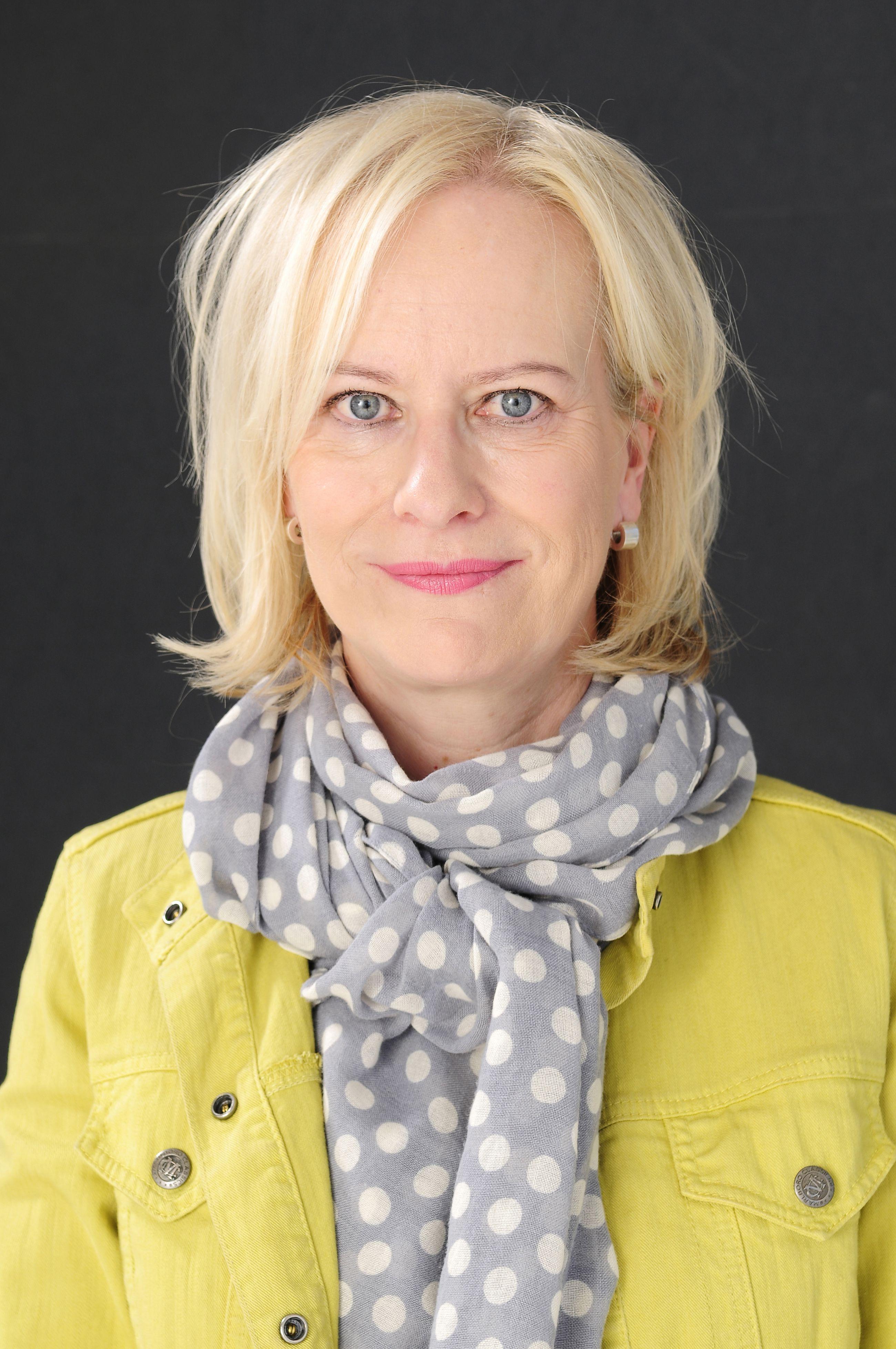 Kirjailija Sinikka Nopola on kuollut 67-vuotiaana | Kaleva