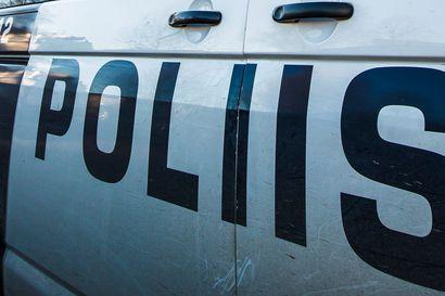 Rovaniemellä moottorikelkkailija törmäsi henkilöautoon ja häipyi onnettomuuspaikalta