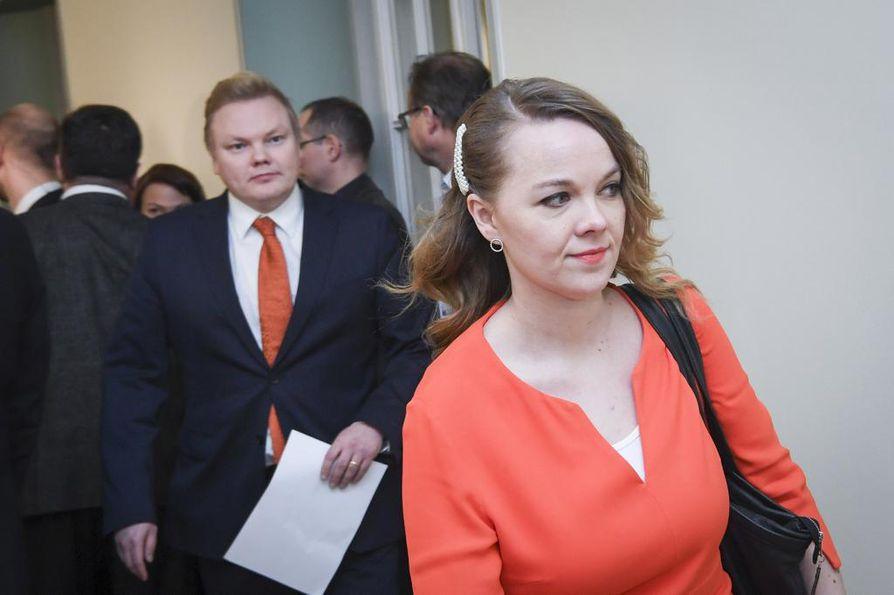 Katri Kulmuni linjasi keskiviikkona keskustan kantoja al-Holin suomalaisten kotiuttamisesta.
