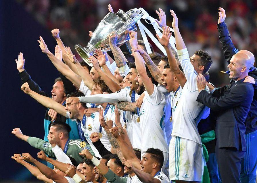 Real juhlii kolmatta peräkkäistä Mestarien liigan voittoa.