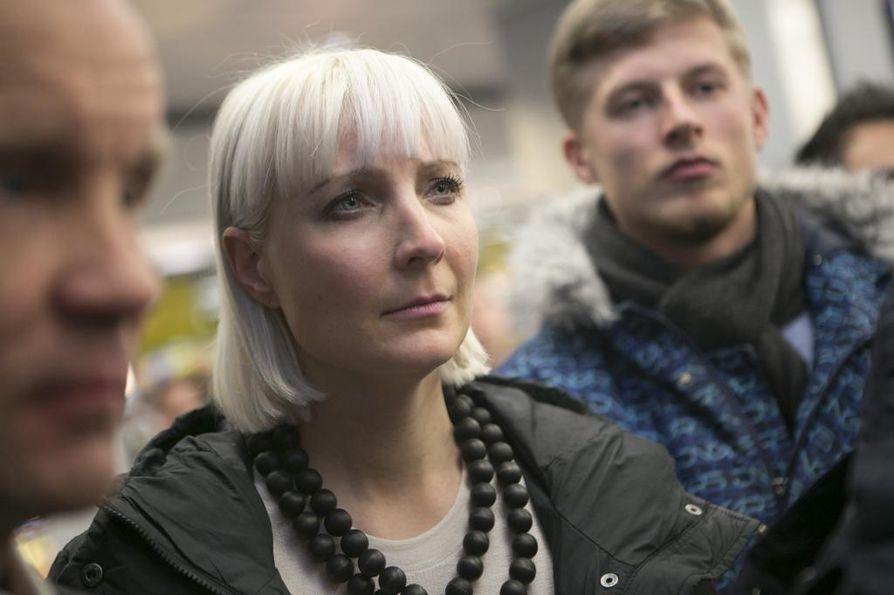 Perussuomalaisten Laura Huhtasaari keräsi 92585 ääntä.