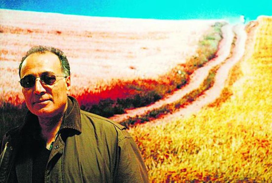 Abbas Kiarostami on Iranin tunnetuimpia elokuvantekijöitä. Sodankylän elokuvafestivaalien yksi kuuluisimmista vieraista sai elokuvansa Ystäväni talo Oulun elokuvakeskuksen Studion esitykseen jo vuonna 1990, kun iranilainen elokuva vasta oli lyömässä läpi länsimaissa.