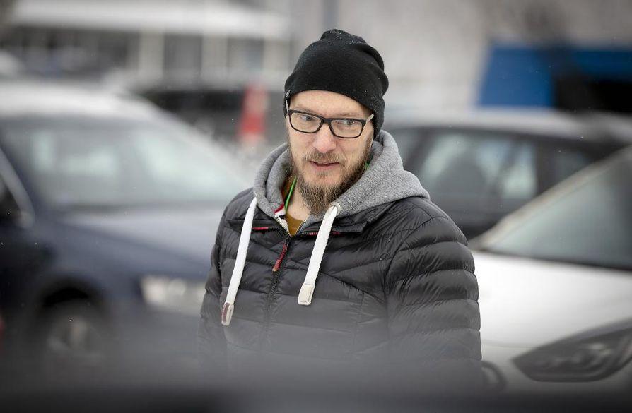 Oululainen Mika Koskela ehti omistaa viisi autoa, kunnes tänä syksynä päätyi yksityisleasingiin.