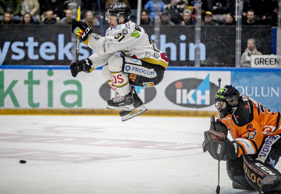 Nicklas Lasu sanoo viettäneensä Oulussa kaksi hyvää vuotta, mikä tekee lähdöstä paljon vaikeampaa.
