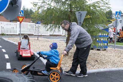 Katso kuvat Pyhännän liikennepuiston avajaisista